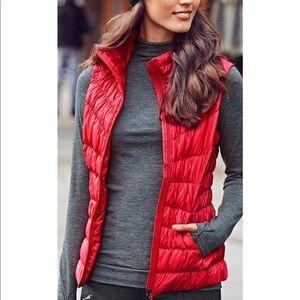 Athleta Downalicious Red Puffer Vest Sz Large
